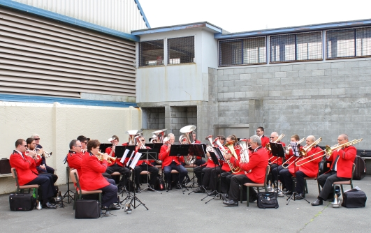 We could hear music and eventually we found the Salvation Army Band in one of the yards