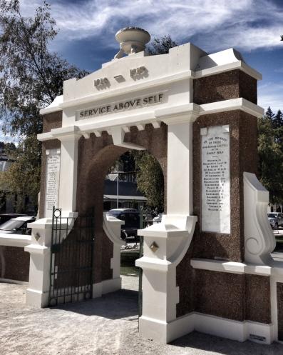 War memorial arch