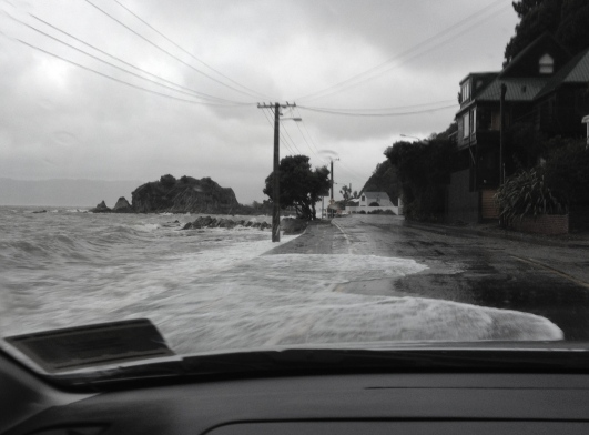 Waves on the road, Mahina Bay