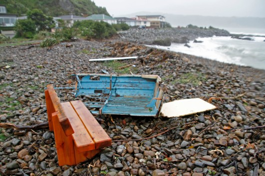 Broken boat, Breaker Bay