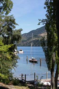 Moored yacht, Lake Wakatipu