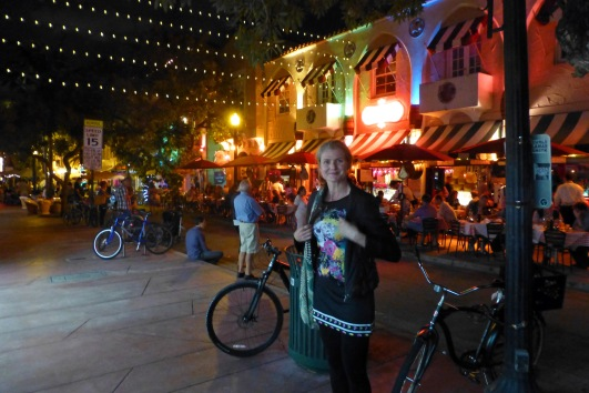 We found tea along the buzzing Espanola Way