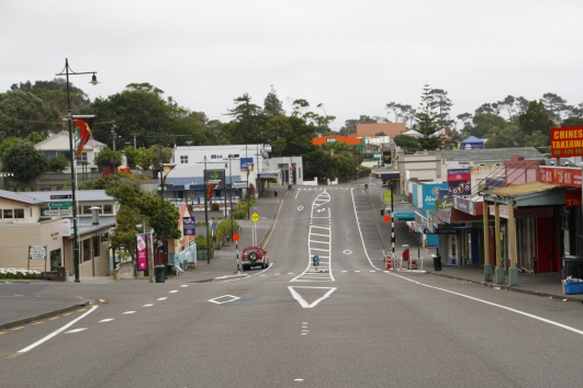 The main street of Helensville around 7am on Christmas Day. About as lively as you'd expect