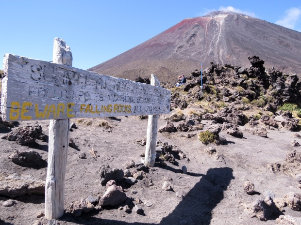 tongariro crossing summit signpost