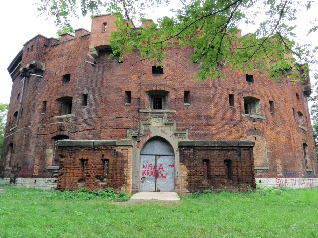 How cool is this! At the top of a hill via a short bush walk is St Benedict's Fort, built in the mid-1800s as part of Kraków's city defences. It's the only fort of this style in Poland. It was used as a barracks during the Austrian rule and as a prison during WW2. Fascinatingly, it was converted to apartments in the 1950s. That can't have come to fruition as it is entirely abandoned but there are renovation plans pending with the city