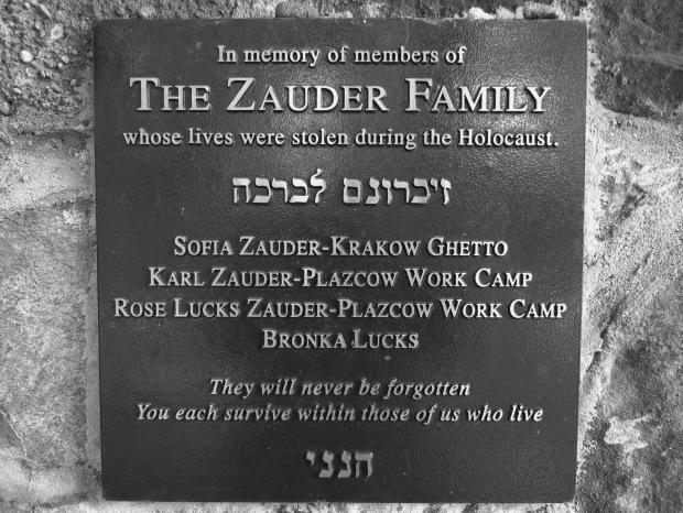 The cemetery contains a huge number of tombstones and memorials for victims of the holocaust. Most of those are in their original state, this one is more recent