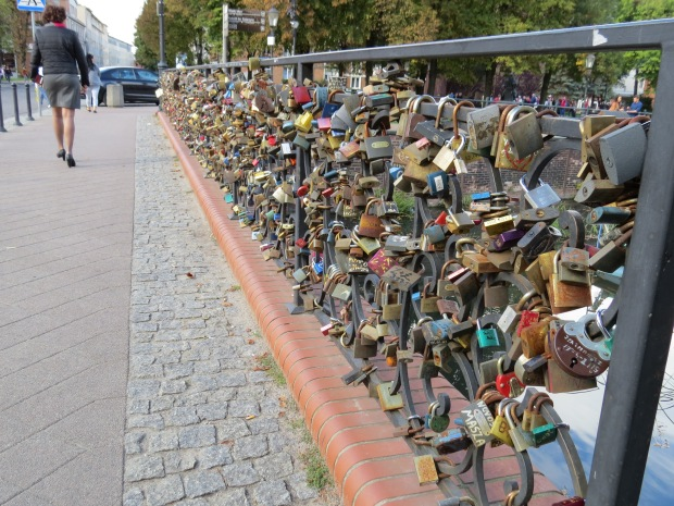The most clogged love lock bridge I think I've seen
