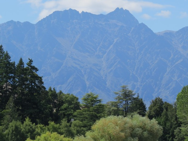 The Remarkables looking exactly so.