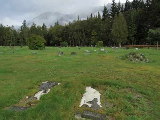 The dead centre of town :). A somewhat unusual cemetery with its ad hoc layout and low lying headstones. It contrasts starkly to the visually rich First Nations burial ground located nearer to Bella Coola though it wasn't devoid of indigenous references.