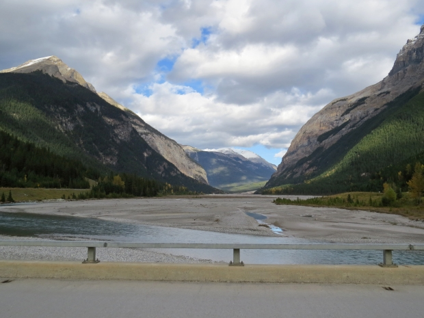 Here the Kicking Horse River has a very broad width so flooding is rarely an issue.