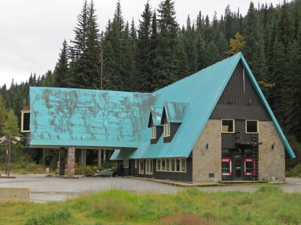 The Northlander Motor Lodge was born in the 1960s and later became the Glacier Park Lodge before closing in 2012. I would've loved to explore inside! Parks Canada are going to pull it down and redevelop the site somehow.